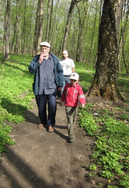 Вместе весело шагать! Богородский Стёпа, папа и дедушка.
